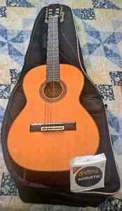 Aria acoustic guitar model ak-20 1/2 with case