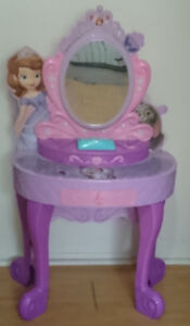 Disney Princess Sofia the first talking vanity drawer