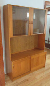 Mid Century Modern TEAK Hutch – Two Pieces – Like New Condition!