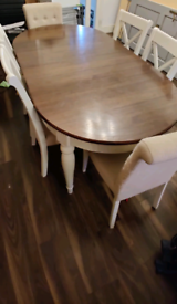 Dining Table and 6x matching chairs