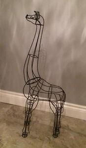 Wire Giraffe Statue