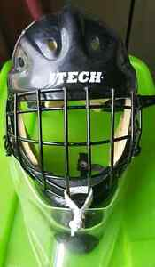 Itech 1000 Sr medium goalie helmet