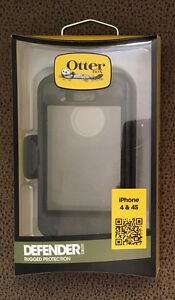 Otterbox Defender Series rugged case w/ belt clip [iPhone 4/4S]