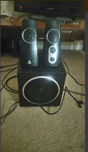 Really good speakers for sale with base!!