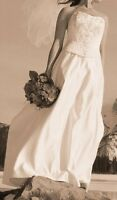 Size 12 Strapless Wedding Dress with Veil