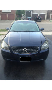 2006 Nissan Altima Base Model Sedan FOR SALE VERY GOOD CONDITION