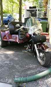 Moto 3 roues Harley Davidson artisanale 2000 Unique! A voir!