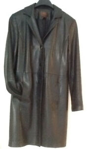 LEATHER COATS Canada sizes S-M COME TRY THESE ON! Excellent cond