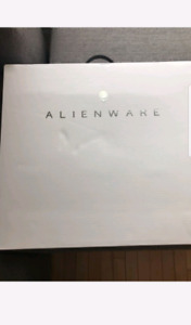 Laptop Dell alienware 17R5 new sealed in box