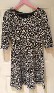 Black and white Taylor dress. Size 12