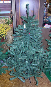 NEVER USED, 4 1/2 FT NICE THICK CHRISTMAS TREE