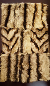 Natural Fox Skin Pelt Fur Rug for Home and Decor