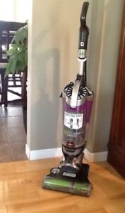 Bissell Vacuum Cleaner - Like NEW!!