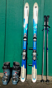 Ladies Downhill Skis, Boots, Poles and Goggles
