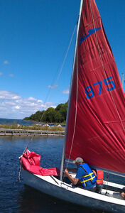 Spindrift 15 foot dinghy - hull & standing rigging $125 obo