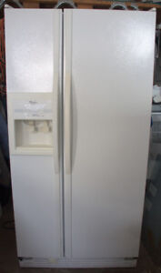 Réfrigérateur côte à côte de 24 pi3 Whirlpool