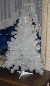 2 1/2 foot  plastic white Christmas tree