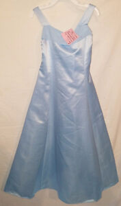 Girls Size 6 & 6X & 6/7 Fancy Holiday Dresses London Ontario image 3