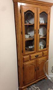 Oak Hutch & Table\Chairs