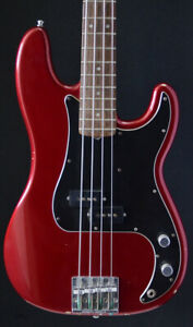 Fender Nate Mendel Bass and / or RW Jazz