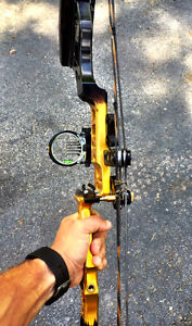 Conquest APEX Compound Bow - Mathews. Blk & yellow - Right Hand Cambridge Kitchener Area image 2