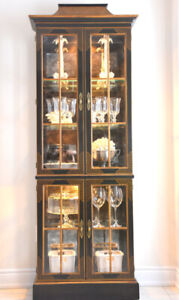 Drexel Heritage Chinoiserie China / Curio Cabinet