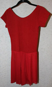 Short-sleeved red skating dress for a teenager Kitchener / Waterloo Kitchener Area image 3