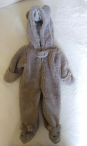 Carter's Hooded Bunting, size newborn (nb)