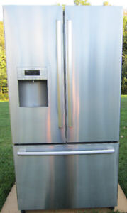 BOSCH Refrigerator>Bottom Freezer> Steel > MINT >Only 3Years Old
