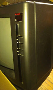 """EMERSON 13"""" COLOR TV - With On Screen Menu  - No Remote. Stratford Kitchener Area image 3"""