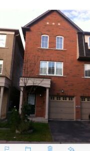 4 BDR, 3.5 Bath - Town House for Rent in Scarborough