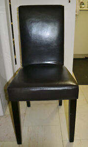 2 BLACK LEATHER DINNING ROOM CHAIRS