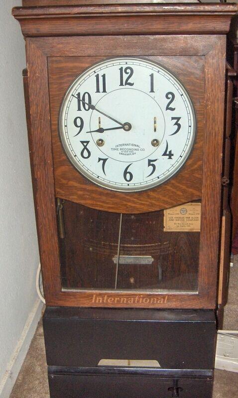 "ANTIQUE OAK ""INTERNATIONAL  TIME CLOCK w/ KEY - NEEDS RESTORATION"