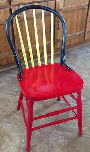 Chaises droites antiques à vendre