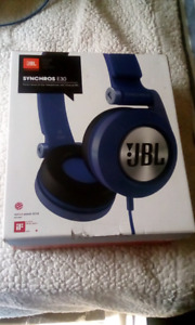 JBL SYNCHROS E30 HEADPHONES - BRAND NEW