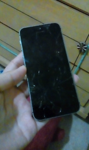 Selling my broken iphone 5s. Parts or whatever