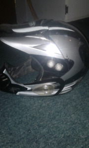 4 Dirtbike and motorcycle helmets