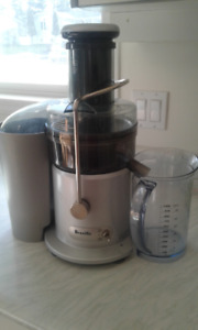 Breville Juicer 850 watts