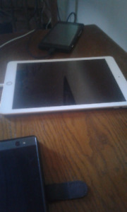 REDUCED......Apple IPad only 7mths old..etc.....Must See
