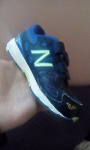 Size 6.5 toddler runners