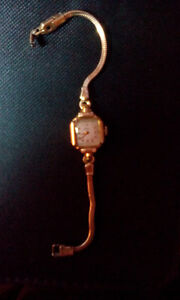 Cyma Tavannes Ladies Vintage Small watch 10kt Gold filled