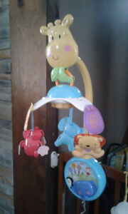 mobile pour bassinette fisher price