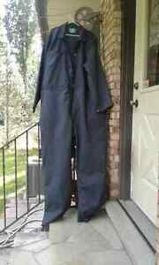 Men's long sleeve coverall London Ontario image 2