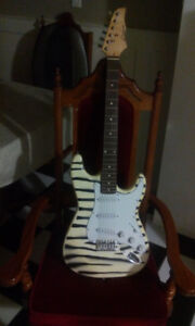 ELECTRIC GUITAR LIKE NEW SCARBOROUGH