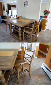 'Down Home' Counter Height Dining Set