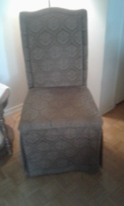 DINING ROOM CHAIRS (4) $100 or BO Used in good condition