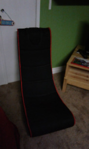 Gaming chair with built in speakers
