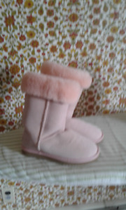 UGGS Ladies Boots