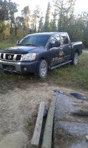 Nissan Titan 2006 truck for parts
