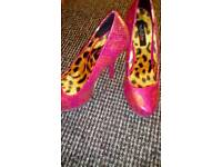 Stunning heels size 5 from j7